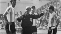 52 năm trước, chiếc 'thẻ đỏ' ra đời từ trận cầu lịch sử giữa Anh và Argentina