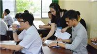 Các thí sinh huyện đảo Phú Quý vào đất liền dự thi an toàn