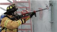 VIDEO Xem súng nước bắn xuyên bê tông, tường gạch của lính Mỹ