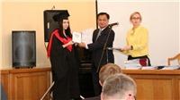 Trao bằng cho lớp học viên cao học chuyên ngành ngôn ngữ và văn học Việt Nam đầu tiên tại Ukraine