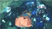 VIDEO clip các thợ lặn giải cứu đội bóng Thái Lan dưới đáy hang sâu