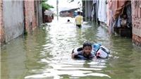Hà Nội: Nước bẩn bao vây nhà dân, tiềm ẩn nguy cơ dịch bệnh