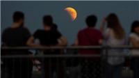 Thế giới chiêm ngưỡng 'trăng máu' dài nhất thế kỷ và sao Hỏa tỏa sáng gần cực đại