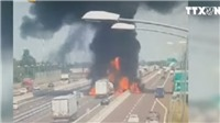 VIDEO: Tai nạn giao thông kinh hoàng, 10 ô tô phát nổ