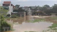 Nước lũ lên nhanh, người dân Lào Cai và Thanh Hóa sơ tán khẩn cấp