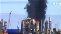 VIDEO: Cháy nổ tại nhà máy lọc dầu lớn nhất Canada