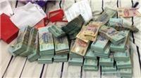 Bắt tạm giam đối tượng chiếm đoạt trên 21 tỷ đồng để đánh bạc