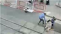 Bộ trưởng Bộ GTVT gửi thư khen hai nữ nhân viên đường sắt dũng cảm cứu người