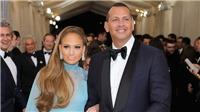 Jennifer Lopez đính hôn lần 4, bà nội trợ kiểu Mỹ chạy tiền cho con vào Đại học...
