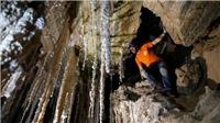 Israel phát hiện hang động muối dài nhất thế giới