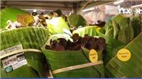 VIDEO: Siêu thị Thái Lan dùng lá chuối thay nilon để gói hàng