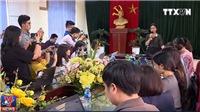 VIDEO Vụ thầy giáo bị tố dâm ô học sinh nam tại trường THCS Trần Phú: Hiệu trưởng cho rằng 'chỉ là đùa quá mức'