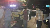 Va chạm với ô tô khách, năm người trên xe taxi thương vong
