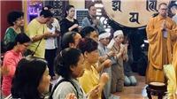 NSND Hồng Vân cùng gia đình tổ chức lễ 49 ngày cho cố nghệ sĩ Anh Vũ