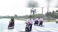 VIDEO: Xe máy bốc đầu khi đi đón dâu, thanh niên nhận hậu quả đáng tiếc