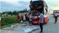 Xe du lịch đâm vào đuôi xe container khiến 1 người chết, 14 người bị thương