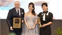 Diễm My 9X đẹp dịu dàng trong trang phục của Lê Thanh Hòa dự sự kiện tại Hàn Quốc
