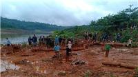 Sạt lở đất vùi lấp ba người trong một gia đình ở Đắk Nông