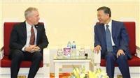Bộ trưởng Tô Lâm tiếp Phó Chủ tịch Chính sách công và Quan hệ Chính phủ của Google