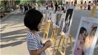 Học sinh Hà Nội bày triển lãm ảnh về trẻ khuyết tật