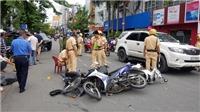 Thành phố Hồ Chí Minh: Xe ô tô tông hàng loạt xe máy, 4 người bị thương