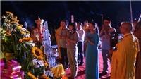 Độc đáo lễ cầu an và hội hoa đăng trên sông Lục Đầu