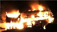 Xe khách giường nằm bất ngờ bị cháy khi đang lưu thông trên đường Hồ Chí Minh