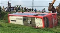 Lật xe khách giường nằm tại Hà Tĩnh, 5 người thương vong