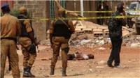Các tay súng tấn công nhân viên công ty Canada, gần 40 người bị giết hại