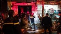 Hà Nội: Dập tắt đám cháy trong đêm, đưa 2 phụ nữ ra ngoài an toàn