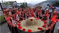 Độc đáo lễ hội ném còn ba nước Việt - Lào - Trung