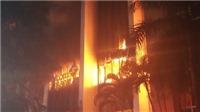 Thanh Hóa: Cháy lớn tại Tòa nhà Dầu khí làm một người tử vong và 8 người bị ngạt khí, sốc nhiệt