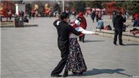 Tình yêu thời bệnh dịch: COVID-19 đưa hẹn hò qua mạng lên ngôi