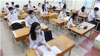 Học sinh Hà Nội hào hứng đến trường sau thời gian dài nghỉ do dịch COVID-19