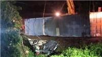 Container va chạm với xe khách trên quốc lộ 18, ba người tử vong