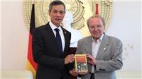 Nhà báo Hellmut Kapfenberger ra mắt cuốn sách về Chủ tịch Hồ Chí Minh tại Đức