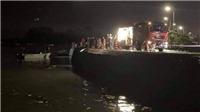 Ô tô lao xuống biển Hạ Long, 4 người nguy kịch