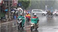 Bắc Bộ mưa dông, Trung Bộ tiếp tục nắng nóng
