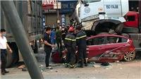 Hà Nội: Tai nạn giao thông nghiêm trọng, 4 người thương vong