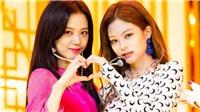 Chỉ khi ở bên cạnh Jisoo, Jennie mới vô thức làm hai hành động này