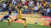 VIDEO: Đình Trọng nhận thẻ đỏ đầu tiên ở V-League