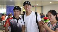 VIDEO bóng đá Việt Nam: Văn Hậu đã về đến Hà Nội. Công Phượng đá cặp với Tuấn Anh