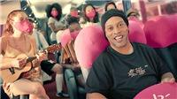Ronaldinho đổi đời sau khi ra tù