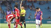 Bình luận viên Quang Huy: 'Trọng tài cần cả nghiêm và minh'