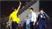 Trọng tài V League bắt đầu nhiều sai sót: Lỗi tại 'gặt lúa non'?