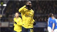 Arsenal tìm thấy ánh sáng ở Cúp FA