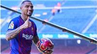 Barca: Tiêu tiền khi mắt… nhắm nghiền
