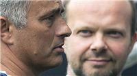 Jose Mourinho bị M.U sa thải: Woodward hay Mourinho đã xỏ nhau?