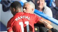 M.U hòa kịch tính với Chelsea: Mourinho luôn biết trở thành diễn viên chính