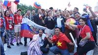 Cổ động viên Việt Nam khuấy đảo Fanzone